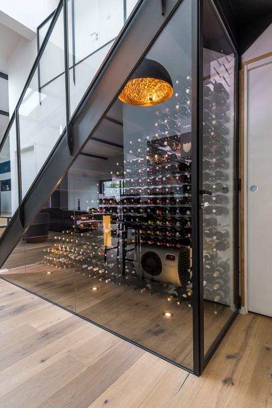2016 escalier cave vin atelier domos for Cave a vin escalier